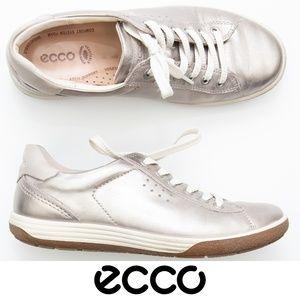 Ecco Silver Metallic Sneakers 39  8 /8.5